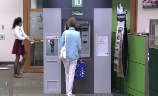 Emotiva acción de un banco para agradecer la fidelidad de sus clientes