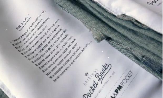 Libros de bolsillo literalmente en el bolsillo