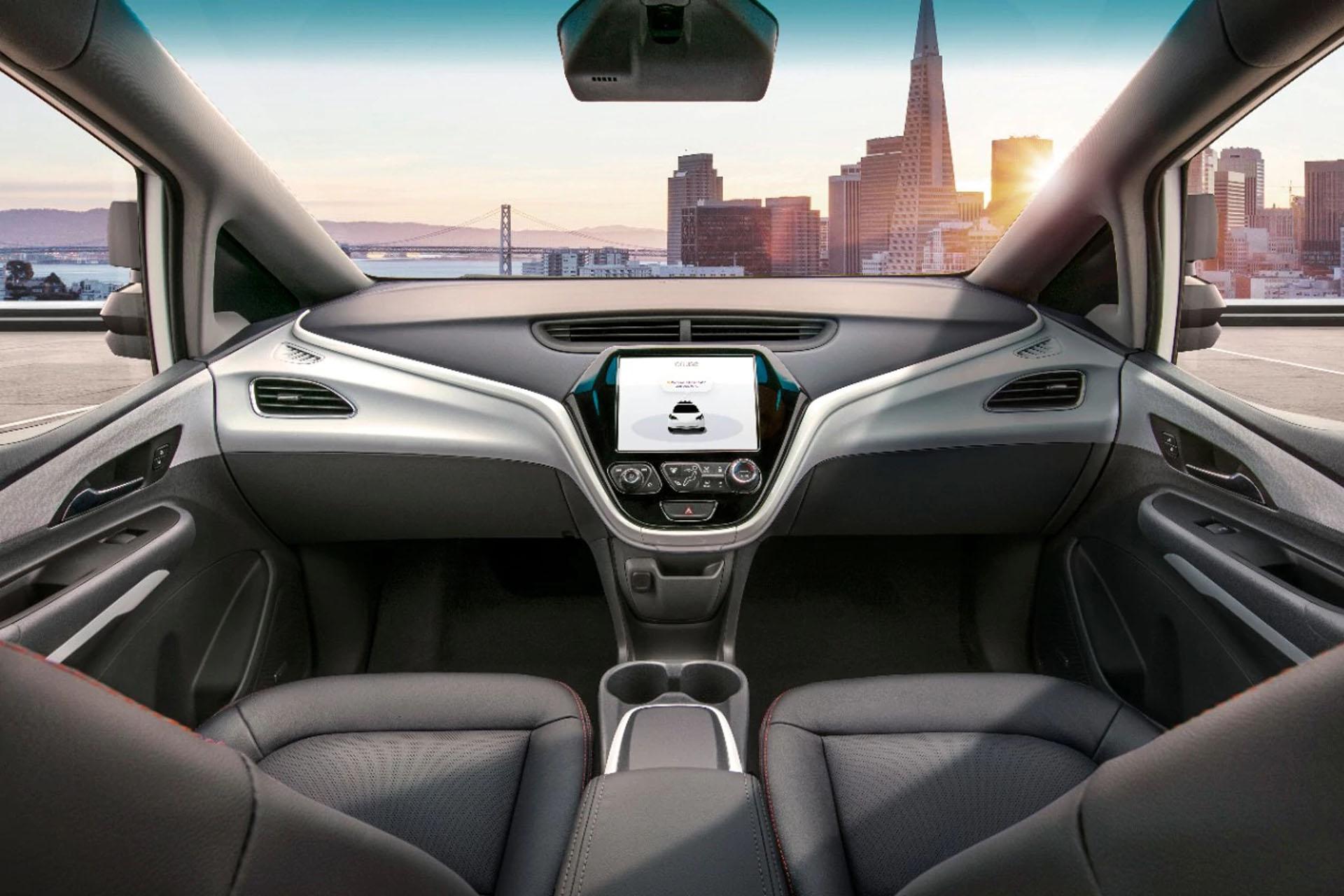GM presentó su primer vehículo sin volante ni pedales