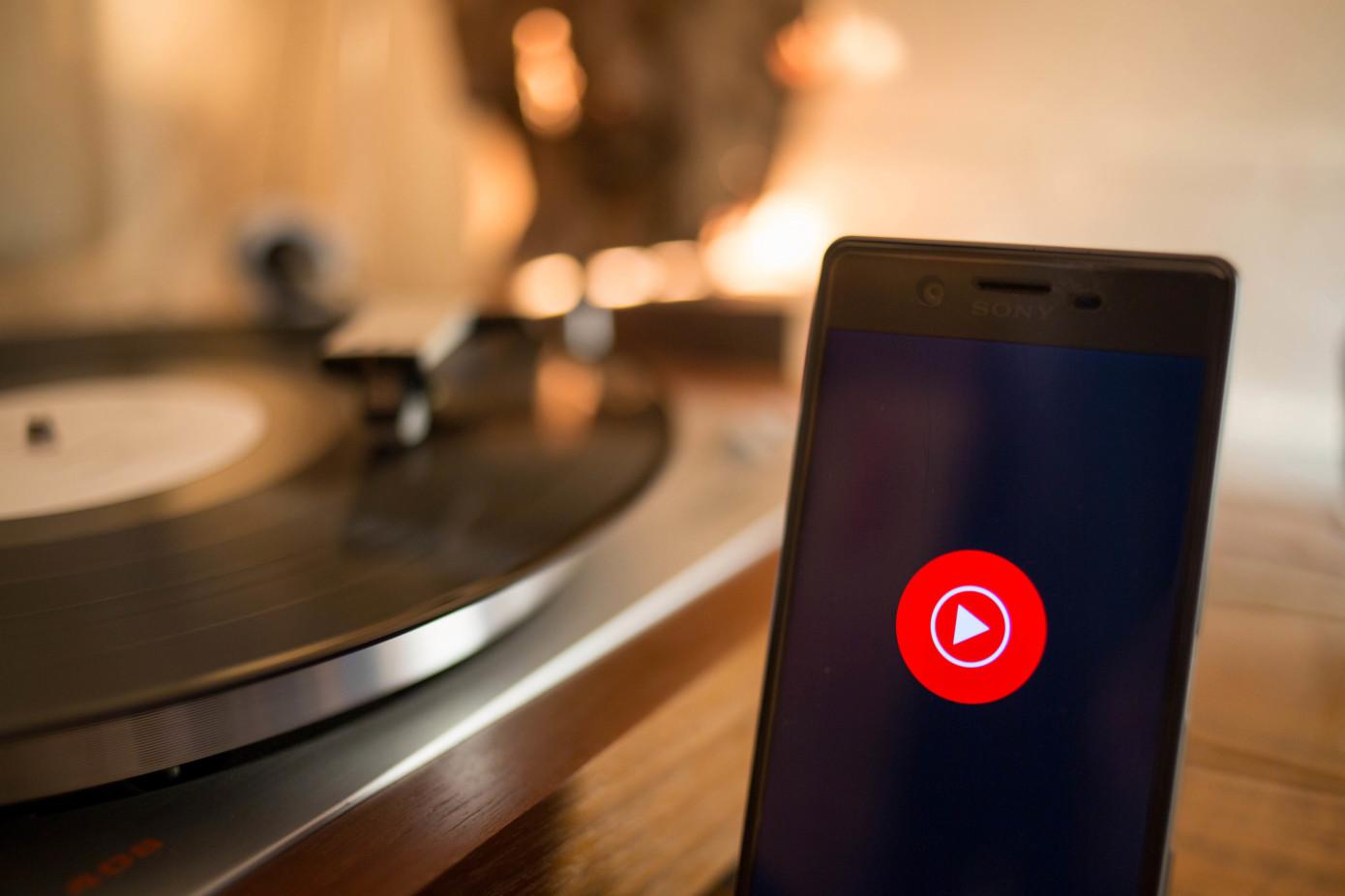 YouTube Music ahora permite cambiar entre canciones y videos musicales